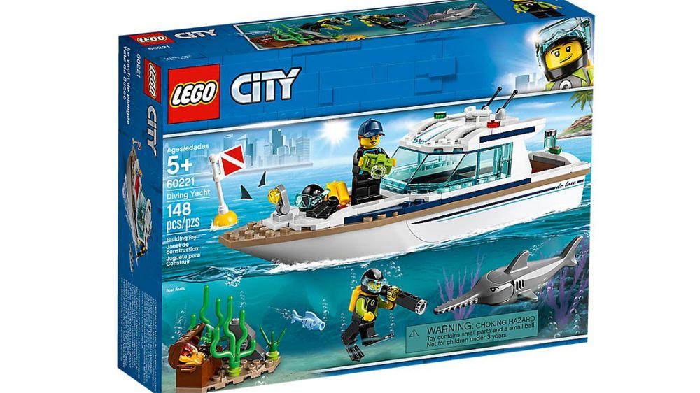 Lego dive boat set