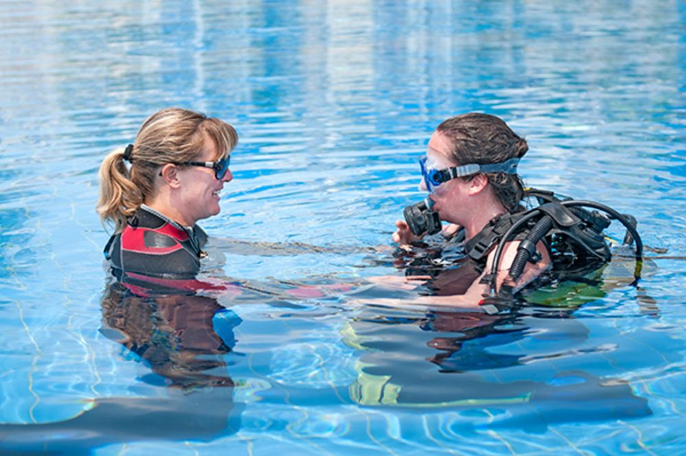 What You Need To Know About Learning To Scuba Dive Sport Diver - 10 best places to learn to dive the padi way