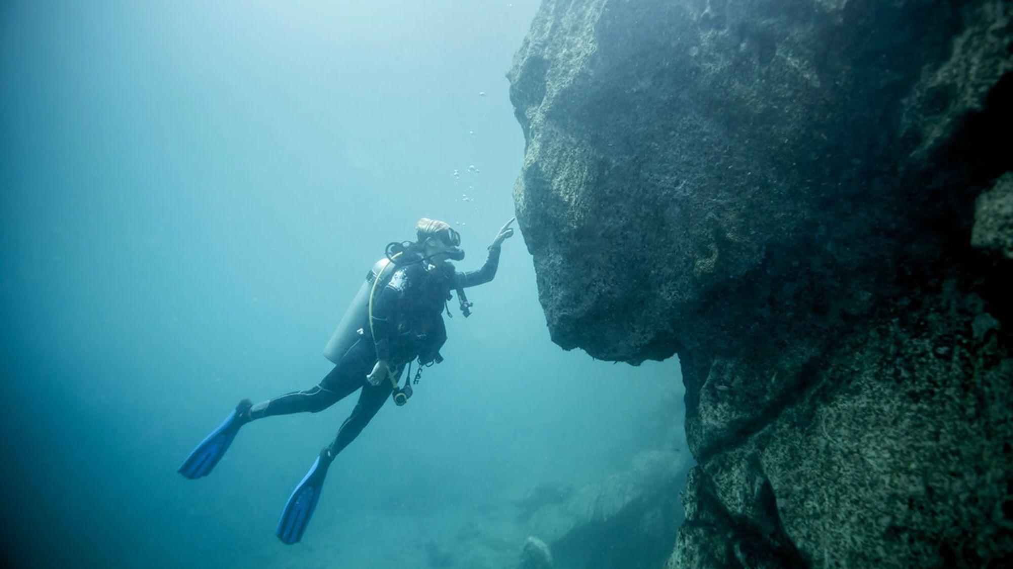 How to Handle Bad Diver Behavior Underwater