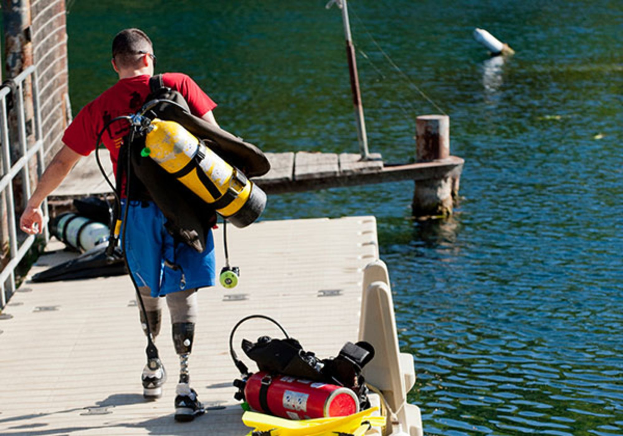 Underwater Patriots: Scuba Soothes Wounded War Veterans