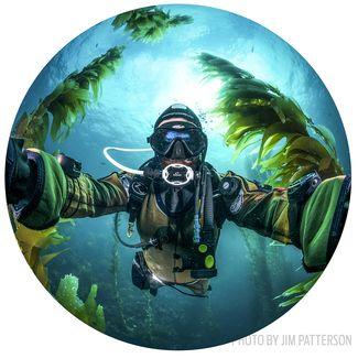 scuba diving solo