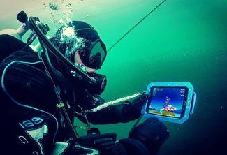 underwater tablet