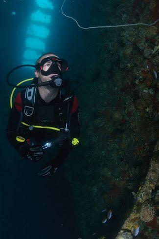 scuba diving wreck thailand