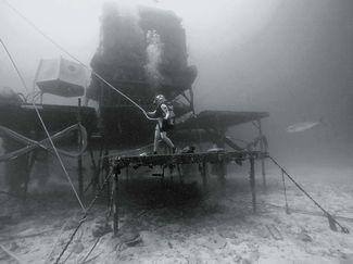 Dawn Kernagis working at Aquarius reef base