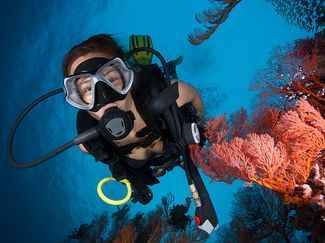 How to Clear a Flooded Mask while Scuba Diving