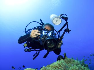 taking photos underwater