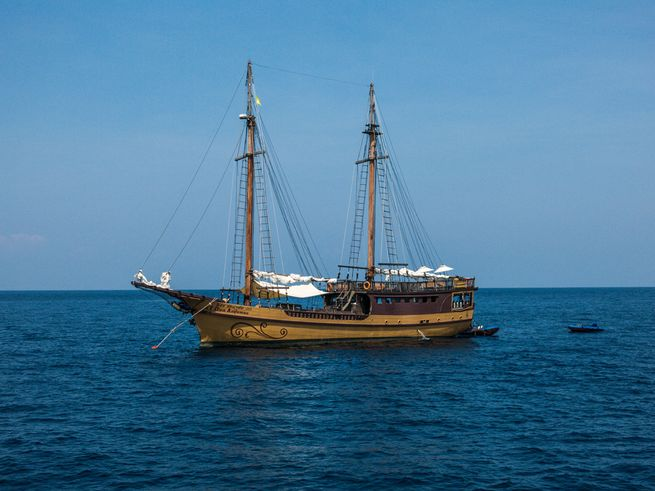 The History of Liveaboard Diving
