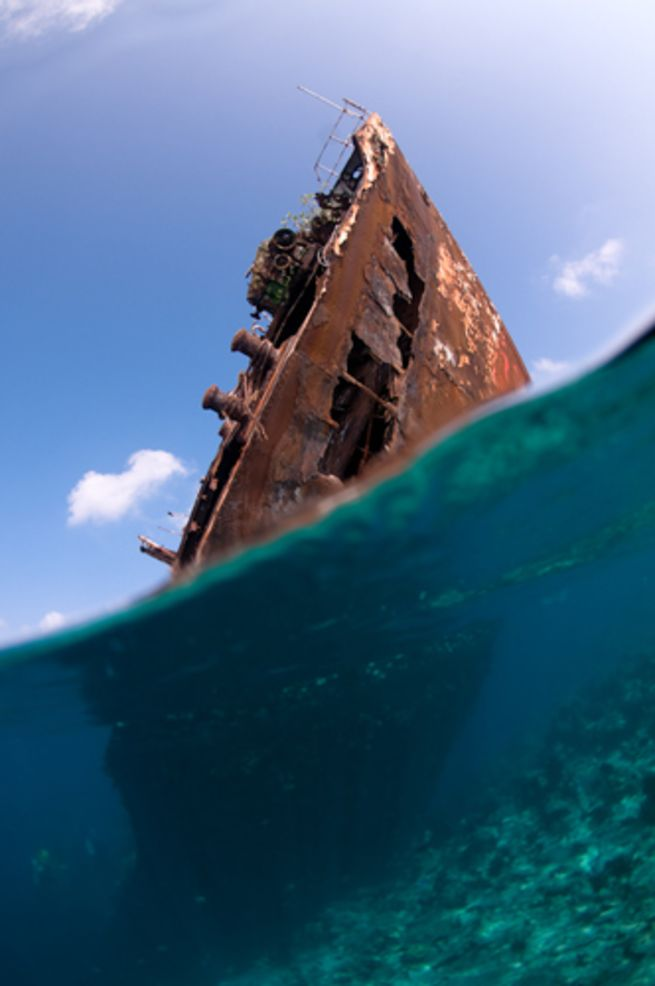 Underwater Photography Tips, Wreck Diving