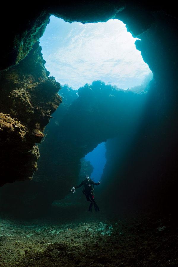 Dive hawaii scuba diving hawaii volcanoes sport diver - Padi dive sites ...
